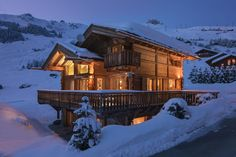 Chalet Pierre Avoi Verbier exterior at night in the snow