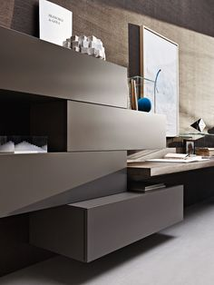 Molteni - A system based on only three fundamental elements that can be freely combined together.