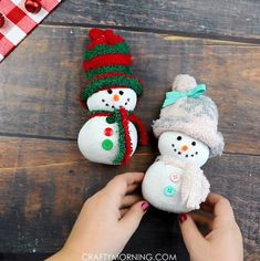 Easy Sock Snowmen - Crafty Morning