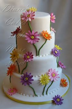 wedding cakes summer Gerbera Daisy Wedding Cake~ with fall colors would be perfect! Gorgeous Cakes, Pretty Cakes, Cute Cakes, Amazing Cakes, Daisy Wedding Cakes, Daisy Cakes, Gerbera Wedding, Flower Cakes, Cake Wedding