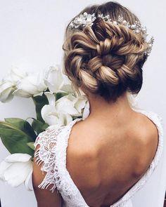 Ulyana Aster Romantic Long Bridal Wedding Hairstyles_25 ❤ See more: http://www.deerpearlflowers.com/romantic-bridal-wedding-hairstyles/
