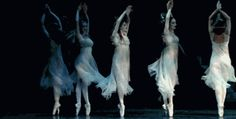 soyouthinkyoucansee:  2014 light & elegant steps..moves,thoughts,writings, ideas,