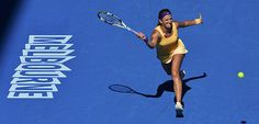 A jovem tenista Viktoria Azarenka, que venceu a última edição do Open da Austrália WTA, qualificou-se esta madrugada para a final da presente edição, depois de derrotar a americana Sloane Stephens, pelos parciais de 6-1 e 6-4. A adversária da final vai ser a chinesa Na Li, que eliminou surpreendentemente Radwanska e Sharapova, sempre em dois sets! Quem leva o troféu para casa?