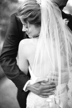 soft and lovely veil {courtesy of Hannah Suh Photography}
