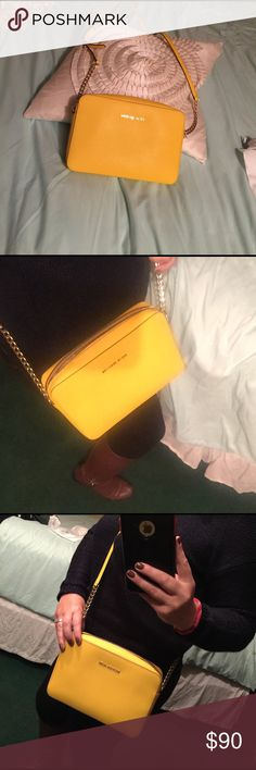 Michael kors Side bag new no tags 🌼🌼🌼 Michael Kors large crossing bag new new tags beautiful color for spring and summer cleaning out my purses MICHAEL Michael Kors Bags Crossbody Bags