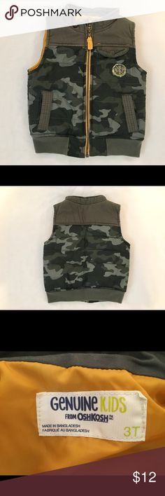 Camouflage puff vest Osh Kosh camouflage boys puff vest with yellow accents. Gently worn but in great condition! OshKosh B'gosh Jackets & Coats Vests