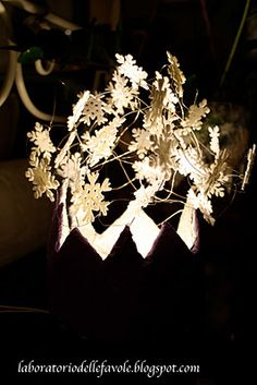 Lamp - 4 crowns for 4 seasons: Winter
