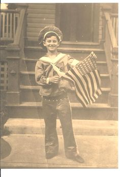 Handsome boy in a sailor suit patriotically waving the American flag, wonderful vintage Independence Day photo for Fourth of July. American Spirit, American Pride, American Flag, Vintage Children Photos, Vintage Images, Vintage Pictures, Patriotic Images, Patriotic Crafts, Patriotic Party