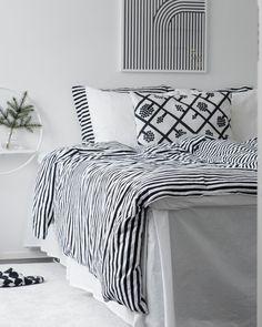 Marimekko, White Houses, Finland, Comforters, Bedroom Ideas, Bedrooms, Stripes, Dreams, Blanket