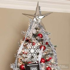 A tree isn't complete without a pretty Christmas tree topper. Whether it's a simple bow, a beautiful bouquet, or a unique tree topper you can make yourself, these Christmas tree topper ideas are the perfect finish to your beautiful holiday tree. Pretty Christmas Trees, Christmas Tree Toppers, Christmas Holidays, Christmas Ideas, Xmas, Holiday Tree, Holiday Wreaths, Christmas Centerpieces, Christmas Decorations