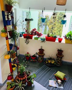 For those days when you just want to be in the Company of Greens! ~~~~~~~~~~~~~~~~~~~ Scarcity of space with pots taking up all the floor space made me repurpose the unused metal ladder from trash to decor😍 ~~~~~~~~~~~~~~ Apartment Balcony Garden, Small Balcony Garden, Apartment Balcony Decorating, Apartment Plants, Balcony Ideas, Patio Ideas, Indian Home Interior, Indian Home Decor, Indian Room