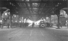 Under the El, Chicago, 1924.  #learnaboutchicago #studychicagohistory #chicagohistoryresources