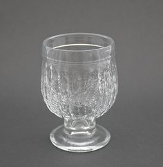 Juomalasi, Kehrä, Nanny Still Shopping Places, Mason Jar Wine Glass, Drinking Glass, Glass Ceramic, Old Antiques, Antique Glass, Colored Glass, Scandinavian Design, Be Still