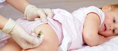 Diphtérie, tétanos, polio, BCG… Si la majorité des parents suivent à la lettre le calendrier vaccinal, ils sont de plus en plus nombreux à s'interroger, et à remettre en cause la vaccination de masse. Certains vont jusqu'à refuser tous les vaccins pour leurs enfants.