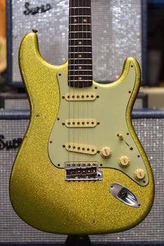 Fender #253 1963 Journeyman Relic Stratocaster - Chartreuse Sparkle