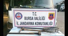 Bursa'da kaçak kazı yapan 2 kişi jandarmanın yaptığı operasyonla suçüstü yakalandı. Olay, Osmangazi'nin Gündoğdu Mahallesi'nde meydana geldi. Edinilen bilgiye göre, Bursa İl Jandarma Komutanlığı ekipleri, yaptıkları istihbarat çalışmaları neticesinde İ.C. (45) isimli şahıs ile Z.Ç. (47) isimli kadının kaçak kazı yaptığı bilgisine ulaştı. 2. derece sit alanında kazı yapan 2 kişi suçüstü yakalandı.   #bursa #define #Gündoğd