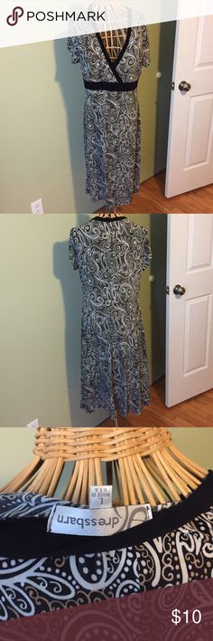 Dress Barn paisley dress Dress Barn dress. Comfy and very flattering. In great condition. Dress Barn Dresses
