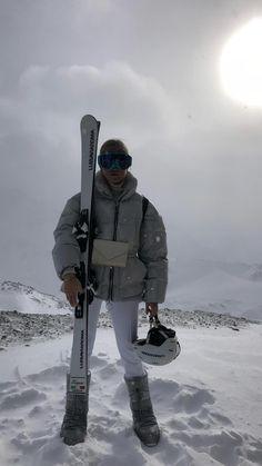 Baby Winter, Winter Snow, Winter Time, Winter Holiday, Ski And Snowboard, Snowboarding, Chalet Girl, Ski Fashion, Arab Fashion