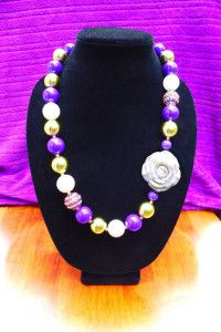 Gumballs and Glitz UW Huskies Necklace