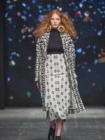 Pokaz Jarosław Ewertna sezon jesień-zima 2016/17, wystawiony w ramach XIV edycji Fashion Week Poland w Łodzi. Zdjęcia:Pasarella Photography.