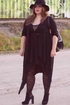 Plus Size Fashion - Wicked · plus size black dress h&m divided