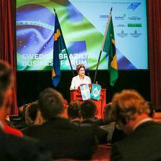"""Nada como começar o dia com uma boa piada. Dilma a empresários: """"Brasil é seguro para investimentos"""""""