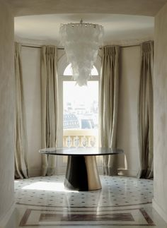 the rotunda. table by Eric Schmitt ::