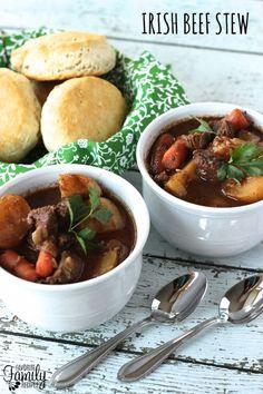 Slow Cooker Irish Beef Stew via @favfamilyrecipz