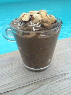 Creamy hazelnut smoothie / desert
