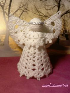 virkattu enkeli-crochet angel