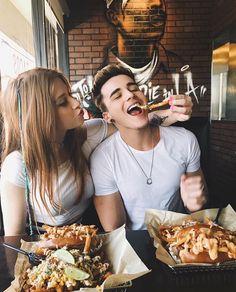 ❥ r o y a l m i s f i t luv couple boyfriend goals, couple goals e cute cou Relationship Goals Pictures, Cute Relationships, Healthy Relationships, Couple Relationship, Couple Tumblr, Tumblr Couples, Cute Couple Pictures Tumblr, Boyfriend Goals, Future Boyfriend