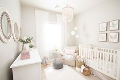 30 Feminine Nursery Ideas for Baby Girls - Kinderzimmer Baby Girl Nursery Decor, Baby Bedroom, Baby Room Decor, Nursery Room, Baby Room Ideas For Girls, Nursery Themes, Cream Nursery, Baby Room Design, Baby Furniture