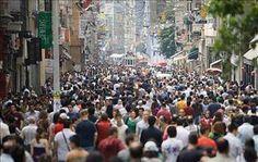 1980 - 11. Genel nüfus sayımı yapıldı. Sokağa çıkma yasağı sırasında güvenlik güçleri operasyonlar yaptı, çok sayıda kişi gözaltına alındı. Türkiye'nin nüfusu: 45.217.556 olarak belirlendi. - Google'da Ara