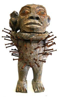 Traditionelle Afrikanische Kunst Nagelfetische aus Kongo  bei MAKEBA African Art Galerie & Shop, Rosenhof 2-4, Chemnitz  oder makeba.de/