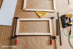 DIY Easy change frame for wood signs for your home Home Decor Signs, Diy Signs, Wood Signs, Diy Home Decor, Merry Christmas Sign, Christmas Crafts, A Frame Signs, A Frame Tent, Change Picture