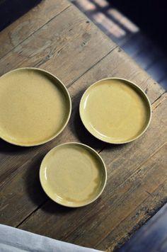 「山田洋次展 オーブンウェア 南仏の風」 黄釉プレート