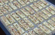 Oříškové tyčinky od našich babiček   NejRecept.cz Czech Recipes, Toblerone, Food Hacks, Food And Drink, Bread, Baking, Cake, Cookies, Minden