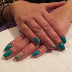 Emerald green and trillion taupe manicure thanks @vtranter #nessasnailbar #modelsown #manicure #diamondluxe