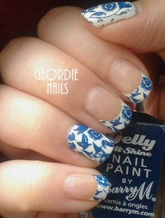 Beauty Hacks : Picture Description Best French Manicure Tutorials To Do At Home - China Pattern Manicure - Nail Art Designs and Ideas - Awesome DIY Nail Designs Spring, Cool Nail Designs, Acrylic Nail Designs, Acrylic Nails, Manicure At Home, Diy Manicure, Manicure Ideas, Classy Nails, Simple Nails