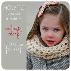 Carissa Miss: Crochet a Toddler Infinity Scarf Tutorial Crochet Diy, Learn To Crochet, Crochet For Kids, Crochet Crafts, Crochet Projects, Crochet Toddler, Infinity Scarf Tutorial, Knitting Patterns, Crochet Patterns