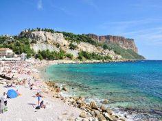 Plage La Grande Mer à Cassis #plage #mer #cassis #france #sud #provence #vacances #holidays #été #summer #sable #voyage #baignade Image Surf, Provence, Beaux Villages, Aquitaine, Alsace, Cassis France, Surfing, Images, Coins