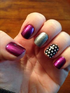 A lot of nail pics have middle and ring finger 2 different designs and thumb, pointer, and pinky a solid color.