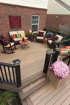 Combine two deck board colours to contrast and create the perfect Decking Colours Ideas, Deck Colors, Deck Colour Ideas, Timbertech Decking, Outside Living, Outdoor Living, Deck Flooring, New Deck, Outdoor Spaces
