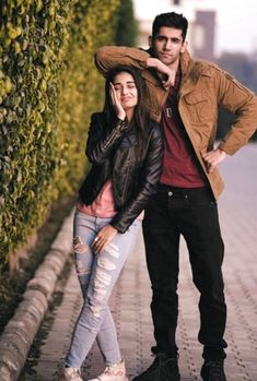 Why Do People Double Date? – Home of Love and Relationship Ideas couple poses Sibling Photography Poses, Photo Poses For Couples, Wedding Couple Poses Photography, Couple Photoshoot Poses, Couple Picture Poses, Fashion Photography Poses, Photo Couple, Cute Couple Pictures, Girl Photo Poses