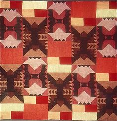 Sophie Taeuber-Arp, Kissenplatte, um 1921, Stickerei mit Wolle in versch. Farben, 54x56 cm