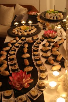 Buffet sushi (finger food) Sushi Buffet, Sushi Platter, Japanese Party, Japanese Food, Sushi Party, Wedding Appetizers, Food Stations, Catering Food, Buffets
