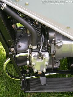 The side-valve engine is tiny. British Motorcycles, Indian Motorcycles, Motorcycle Engine, Great British, Rest Of The World, Motorbikes, How To Memorize Things, Engineering, Vintage