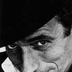 Beautiful songs, and great actor Yves Montand Jean Loup Sieff, White Photography, Portrait Photography, Yves Montand, Star Francaise, Black White, White Art, The New Wave, Hommes Sexy