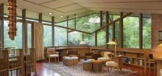 On the market: Frank Lloyd Wright-designed Paul Olfelt house in Saint Louis Park, Minnesota, USA - WowHaus Frank Lloyd Wright Buildings, Frank Lloyd Wright Homes, Saint Louis Park, St Louis, Brick And Wood, Open Space Living, Old House Dreams, Mid-century Modern, Architecture Design