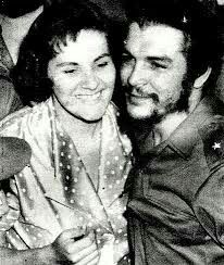 Che and Aleida Castro Cuba, Fidel Castro, Che Guevara Images, Ernesto Che Guevara, Frida Art, Special People, Black Power, Revolutionaries, Celebrity Photos